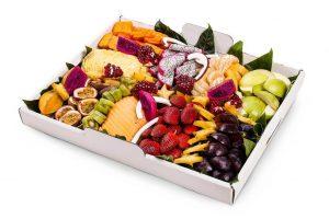 מגשי פירות צבעוני באקדמיה