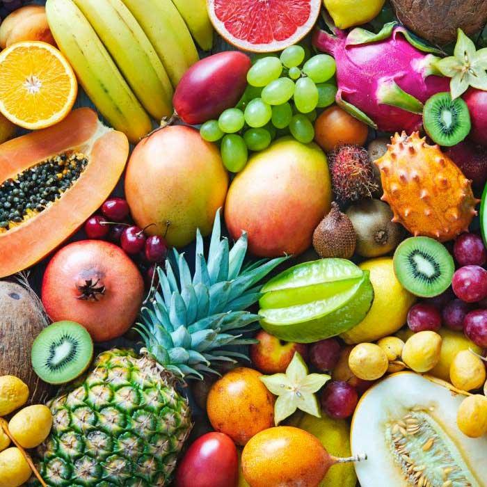 פירות חתוכים מובחרים אחד אחד